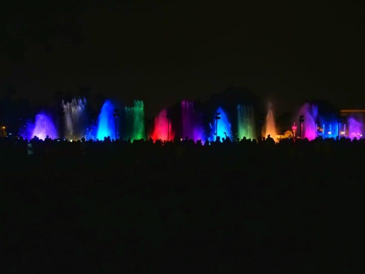 Spectacle d'eau, son et lumière