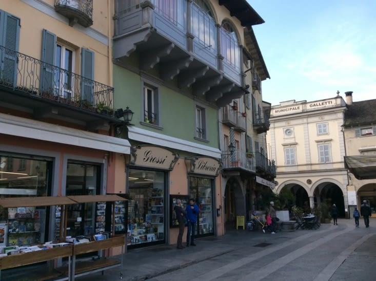 Visite éclair avec un petit café en terrasse à Domodossola