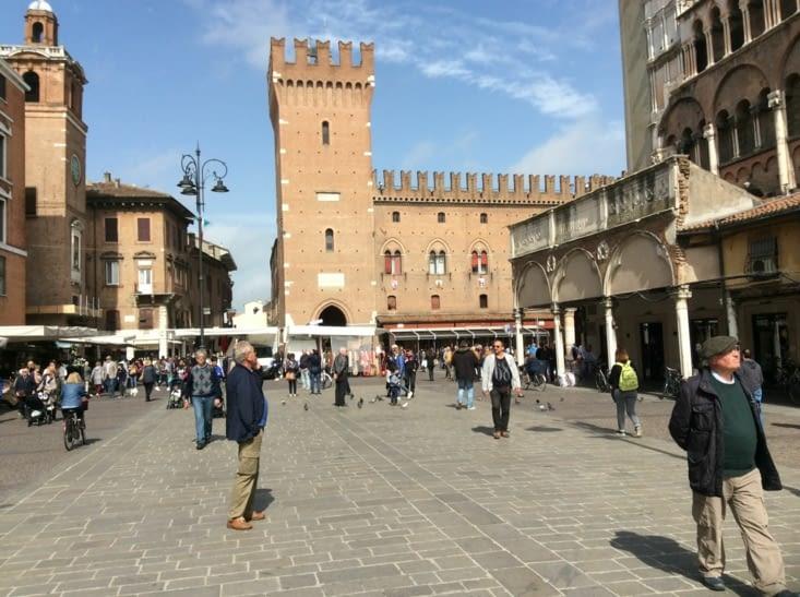 Ferrara sous le soleil
