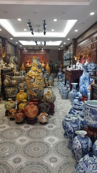 Petit magasin de poterie