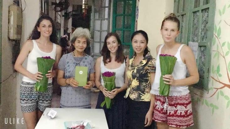 Avec la directrice et Phuong