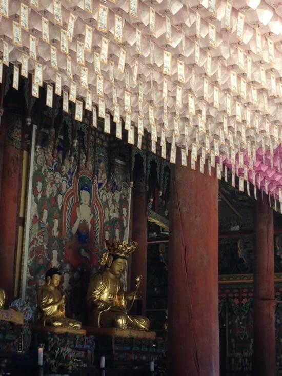 A l'intérieur d'un temple de Hae-in-sa