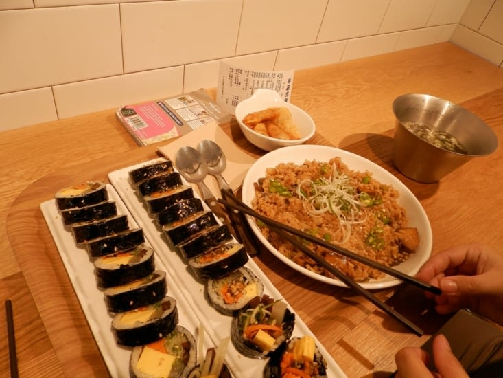 Pause repas dans le hanok