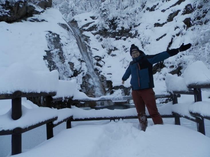 La neige jusqu'aux genoux
