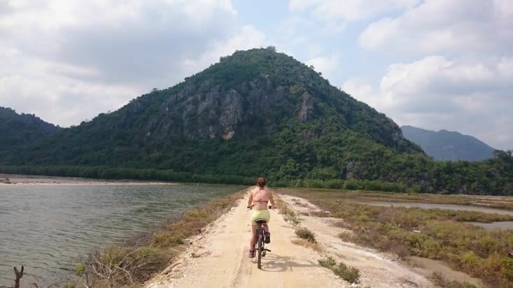 Ballade en vélo dans le parc national de Khao Sam Roi Yot