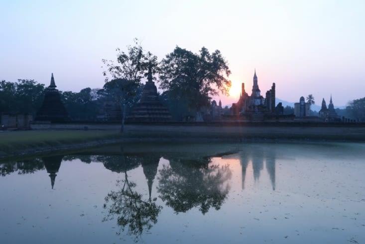 Coucher de Soleil sur le Sukhothai Historical Park