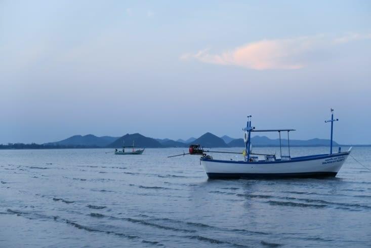 Nuit tombante sur Khao Sam Roi Yot beach