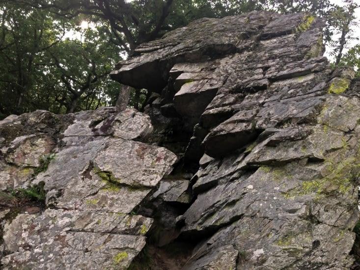 """Formation rocheuse surnommée la """"Cheminée de Bohan"""""""