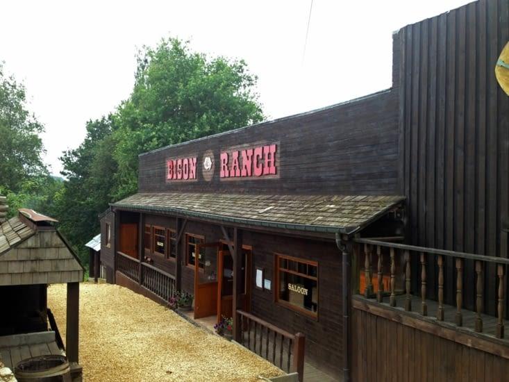 """La façade du restaurant en mode """"Western"""""""