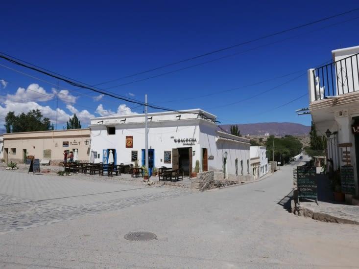 Cachi, ville blanche