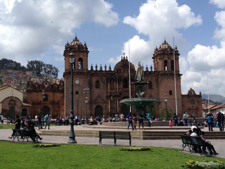 Plaza de Armas avec la Cathédrale de Cuzco