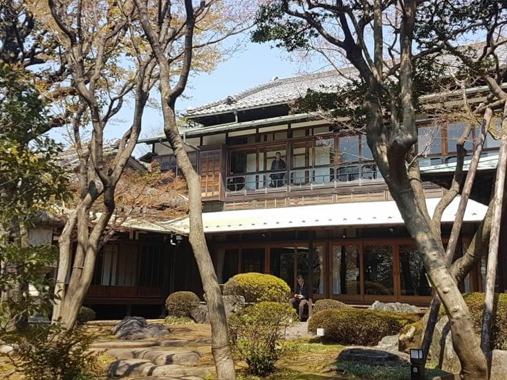 Visite d'une maison traditionnelle en plein Tokyo