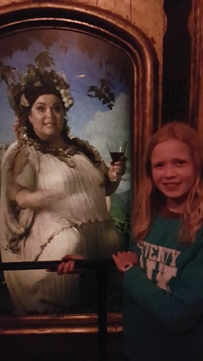 Vous reconnaîtrez la grosse dame !
