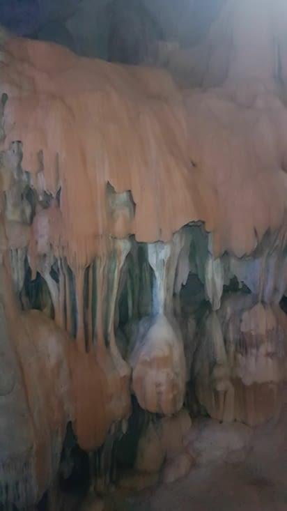 des grottes profondes...