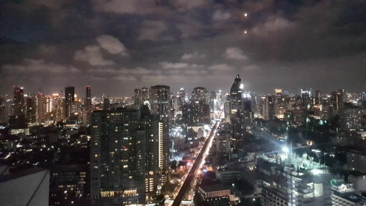 Et surtout rooftop au 49 ème étage