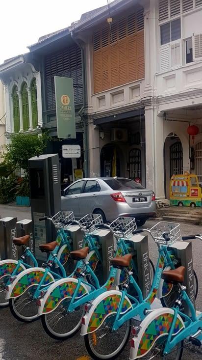 Modernité et charme désuet = la Malaisie