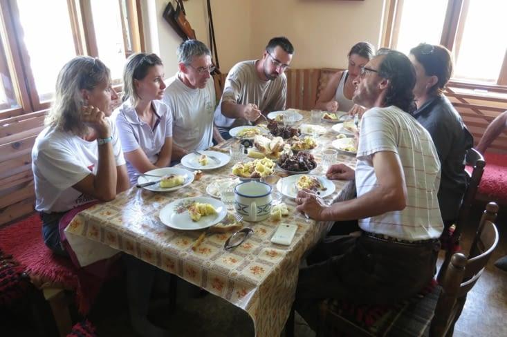 Déjeuner chez les bergers sur les hauts-plateaux