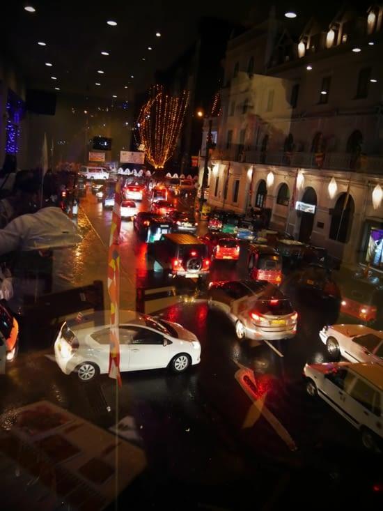 Embouteillages sous la pluie